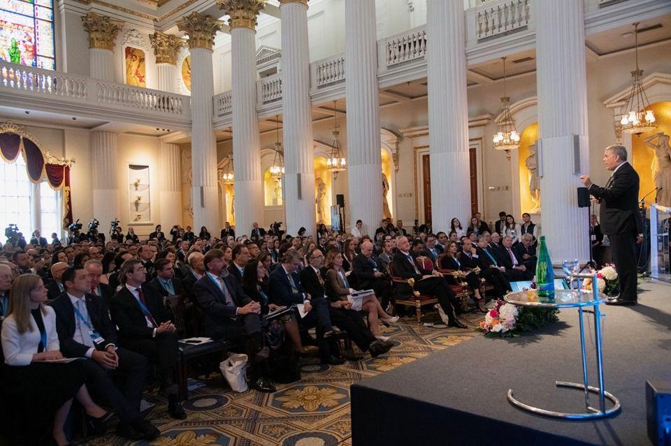 Lors de la visite du président Ivan Duque à Londres, le gouvernement du Royaume-Uni a annoncé que 3,5 millions de livres sterling seront alloués à la coopération pour des travaux de recherche et pour faciliter la conservation des ressources naturelles du pays.