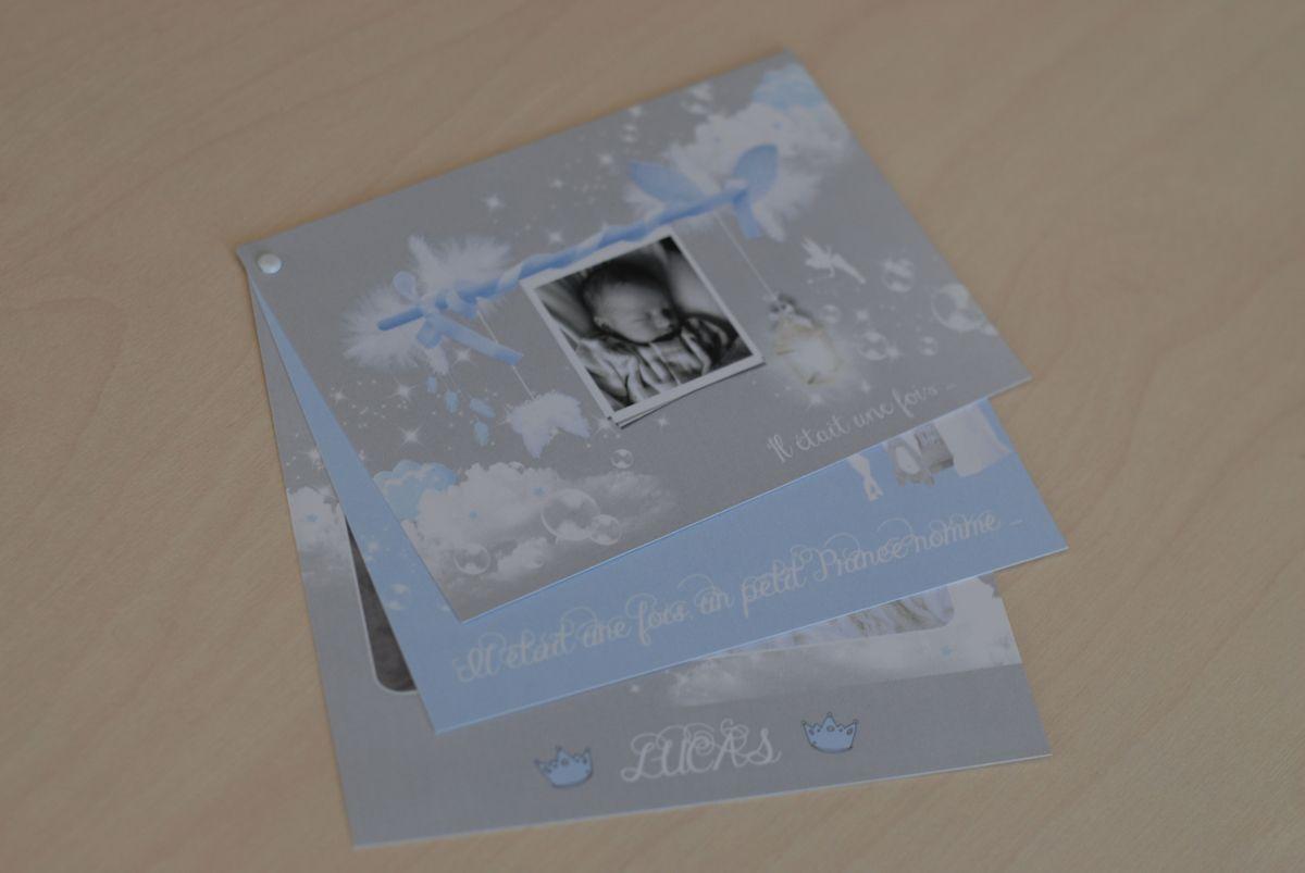 photo image réalisation faire part naissance garçon bleu layette et gris, nuages, 3 volets reliés par attache parisienne