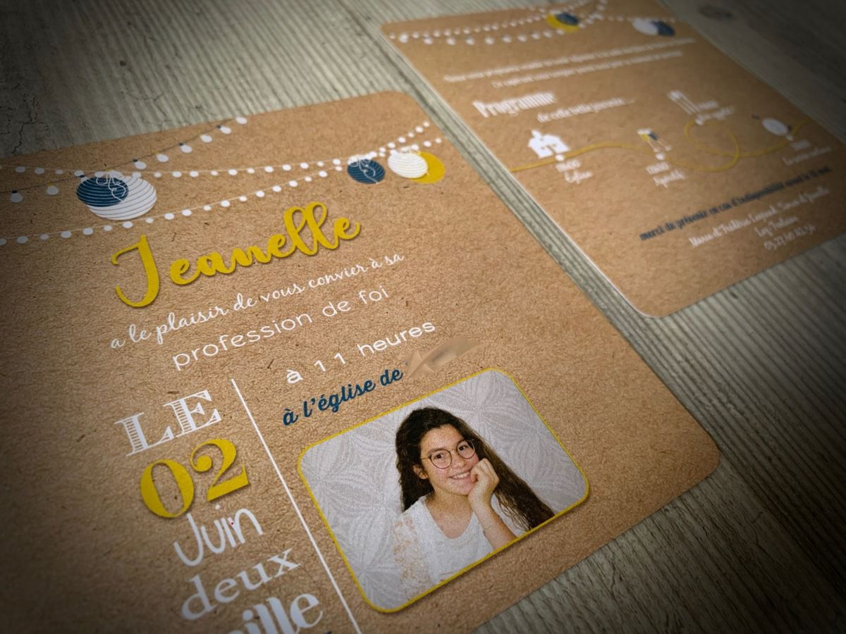 faire part communion recto verso 13,5cm #papeteriecommunion #carteriesurmesure #communion #professiondefoi #vintage #kraft à personnaliser couleur et texte jaune moutarde et bleu canard #lampions photo #timeline #programme #pictogrammes #cliparts #efdcbysoscrap