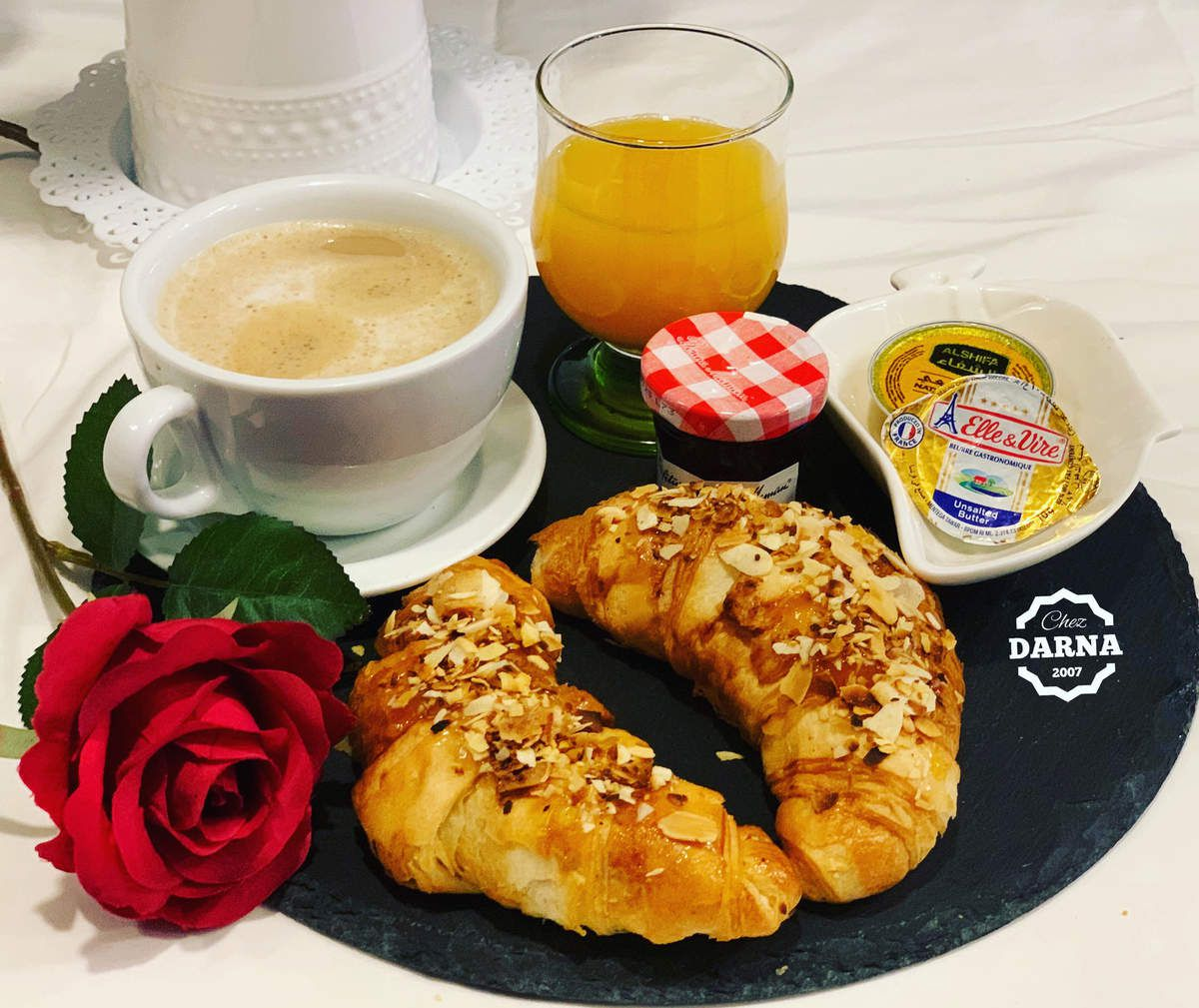Tables de petits dejeuners بعض موائد الافطار