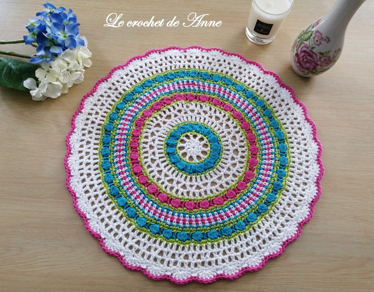 Mandala aux rangs colorés , Fleur bohème , Mandala centre de table , African flower !