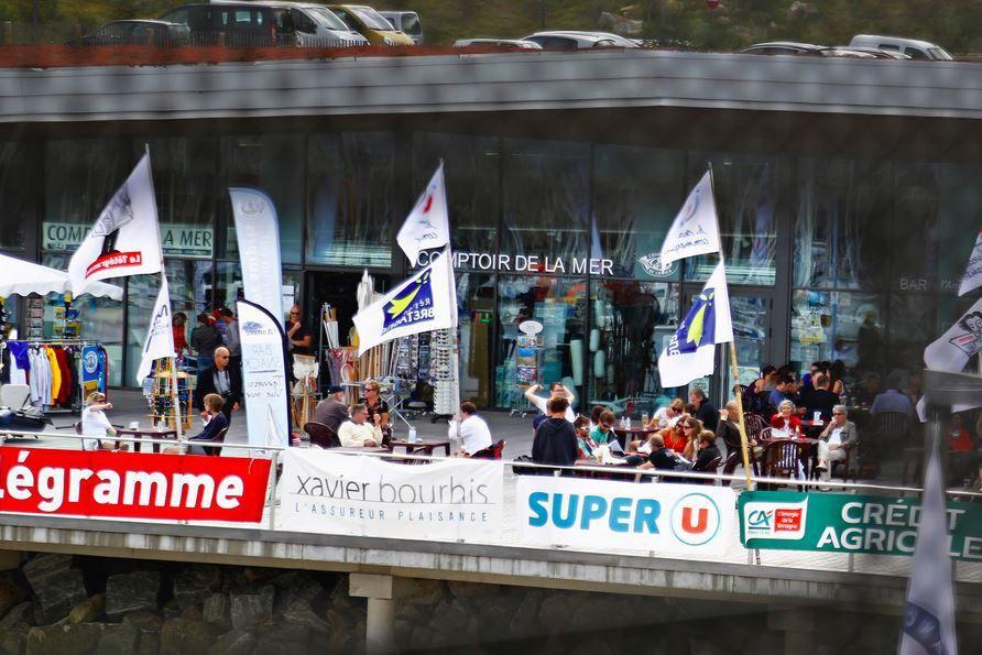 Arrivée des participants et inscription au Tour du Finistère à la Voile 2014 - image : P Alemany