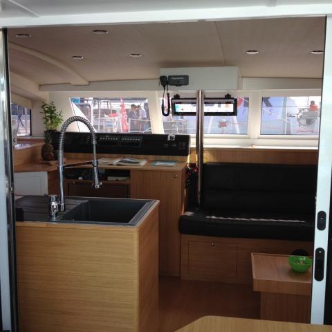 Les Directs du Salon du Multicoque - première photos du Comar Yachts Comet 37 Cat
