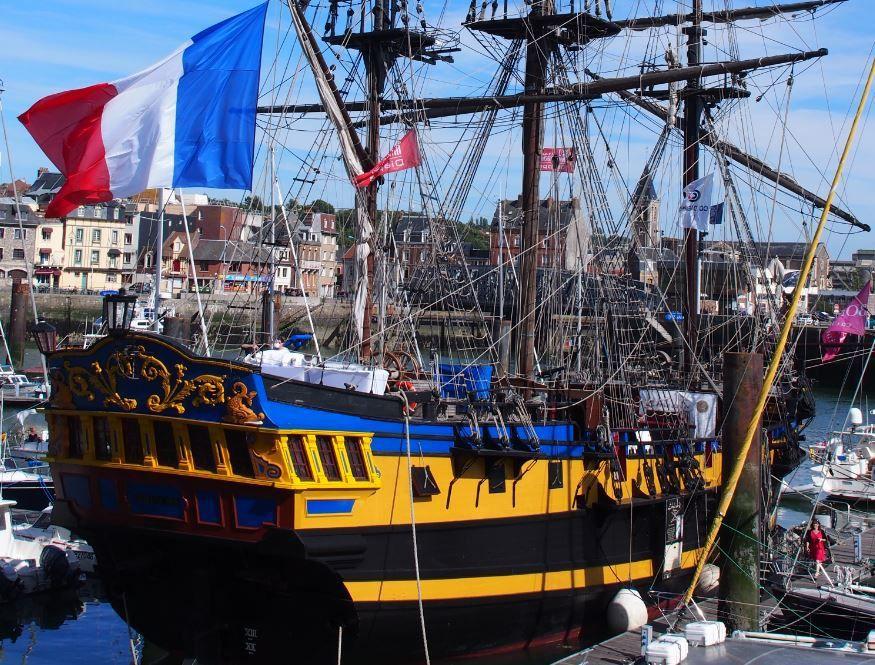 A Saint Malo, les vieux gréements d'Etoile Marine Croisières ne veulent pas couler