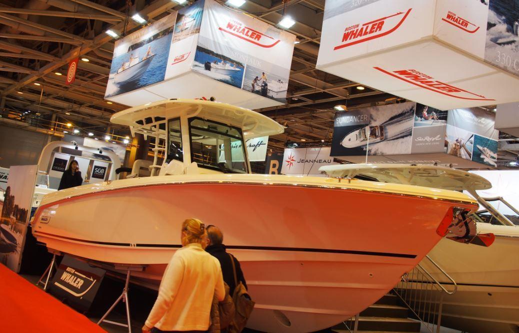 Les Directs du Nautic 2015 - premières photos du nouveau Boston Whaler 330 Outrage