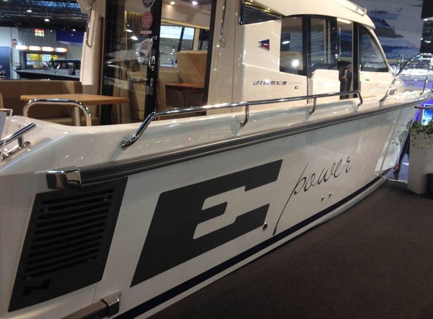 Nouveau, une vedette de 30 pieds à motorisation 100% électrique, le Nimbus 305 Coupe E-power