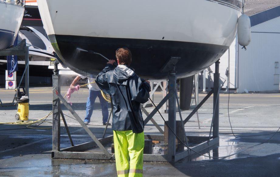 Bien préparer la carène de son bateau, le préalable indispensable à l'application de l'antifouling