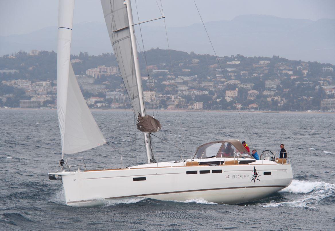 Essai bateau - nous avons testé le réglage assisté des voiles (AST) par Jeanneau et Harken