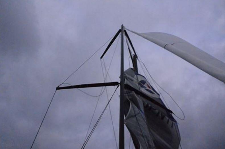 Après démâtage, Kojiro Shiraishi renonce au Vendée Globe