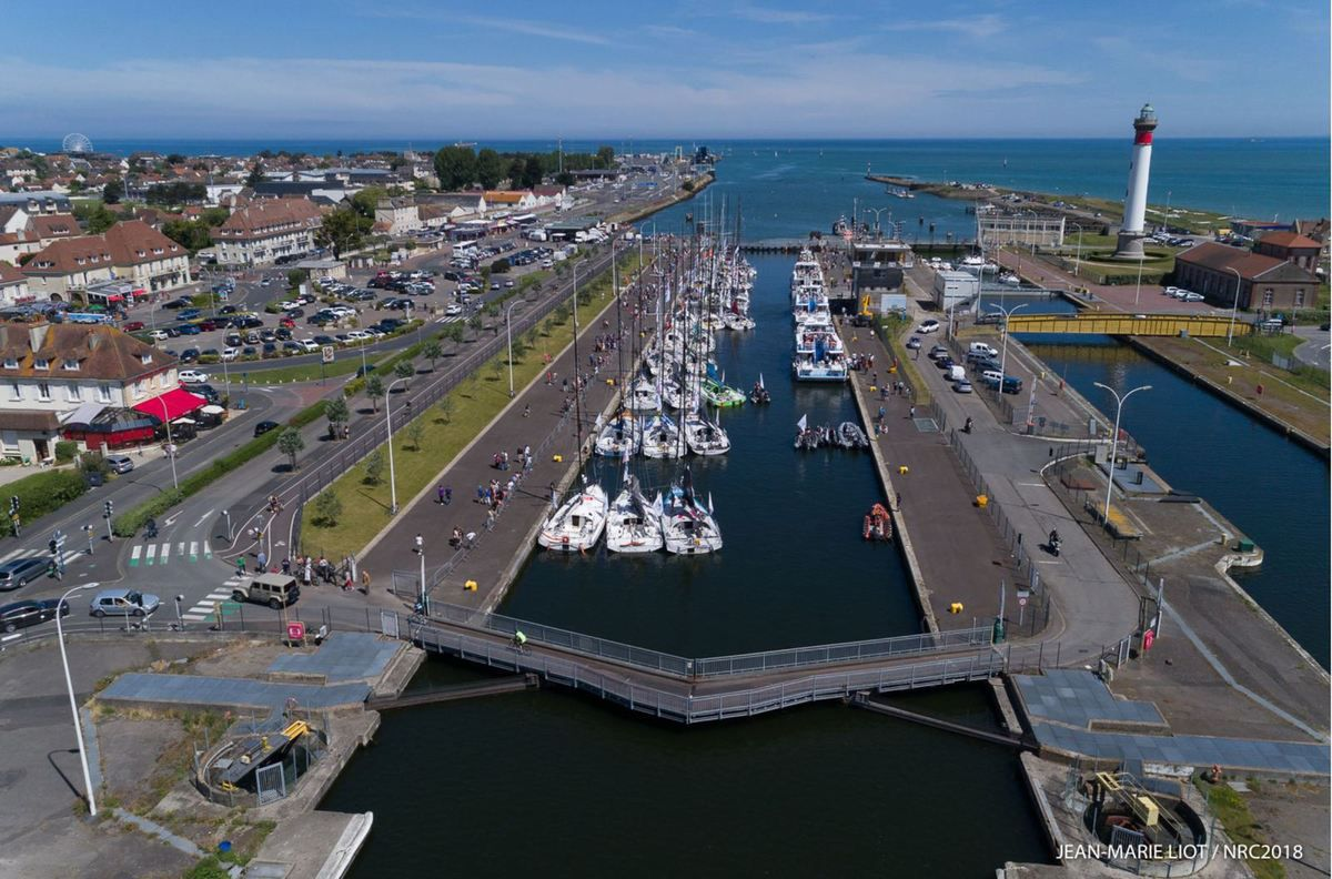 Normandy Channel Race 2018 : passage de l'écluse de Ouistreham