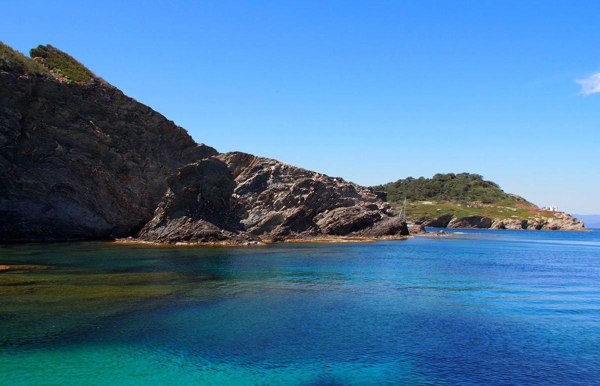 Lifestyle - Découvrir ou redécouvrir la Côte d'Azur depuis la mer, en louant un voilier....