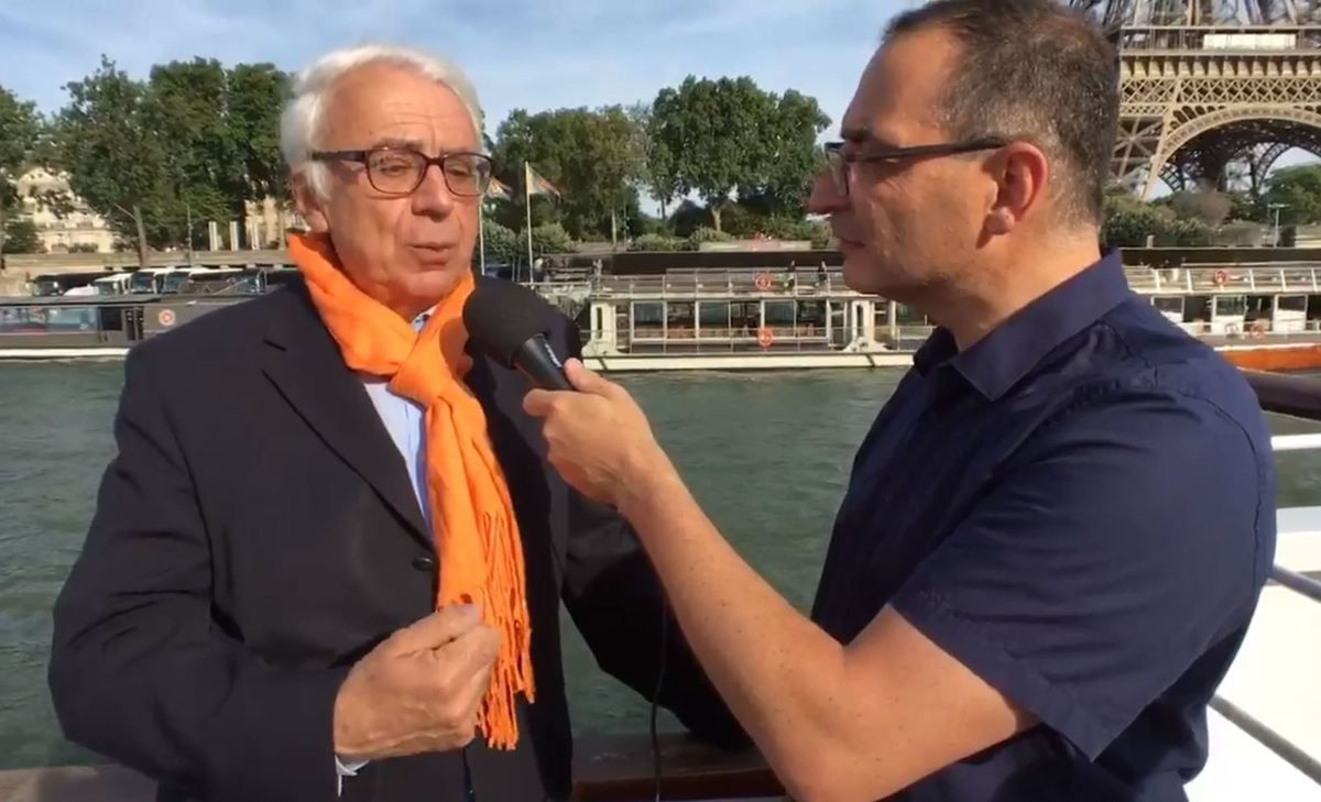 Xavier de la Gorce, président de la SNSM, au micro de Nicolas Venance