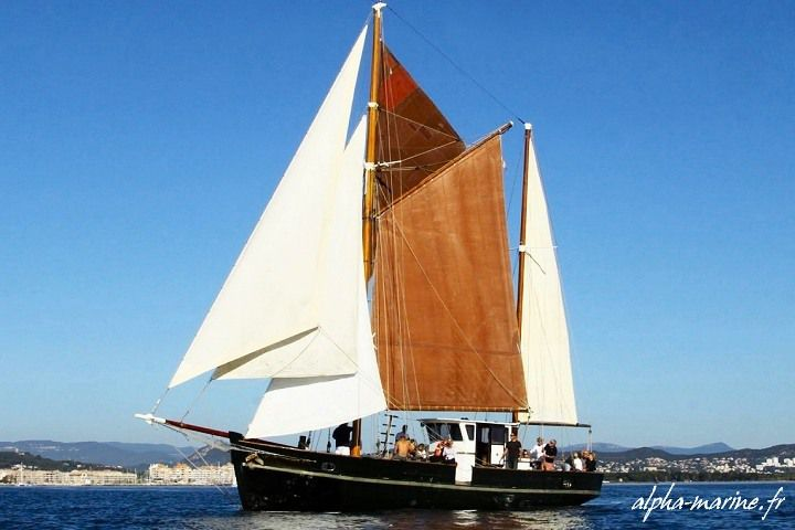 Un ketch aurique d'Alpha Marine