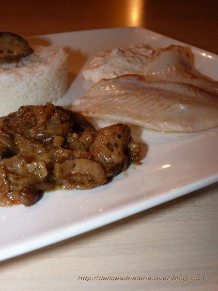 Pavé de turbot, sauce au chèvre: http://delicesdhelene.over-blog.com/article-paves-de-turbot-sauce-au-chevre-65181424.html