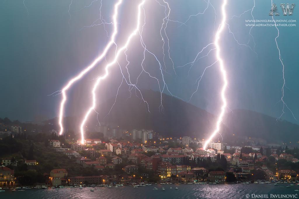 PHOTO DU JOUR / Orage électrique à Dubrovnik en Croatie le 15 juin 2014. Daniel Pavlinović