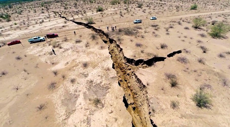 Gigantesque fissure de 1 km dans le sol au Mexique
