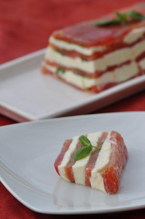 Pressé de tomate mozzarella et basilic (terrine sans cuisson)