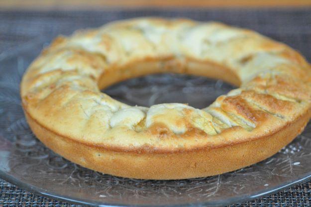 Gâteau au lait chaud et aux pommes