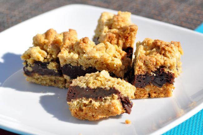 Bouchées croustillantes aux flocons d'avoine, fourrées au chocolat