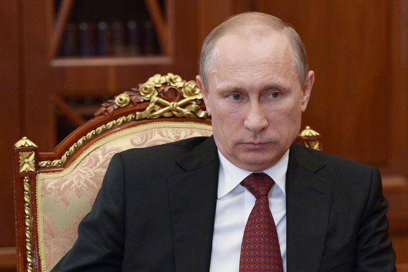 Russie : Poutine met les forces armées en état d'alerte