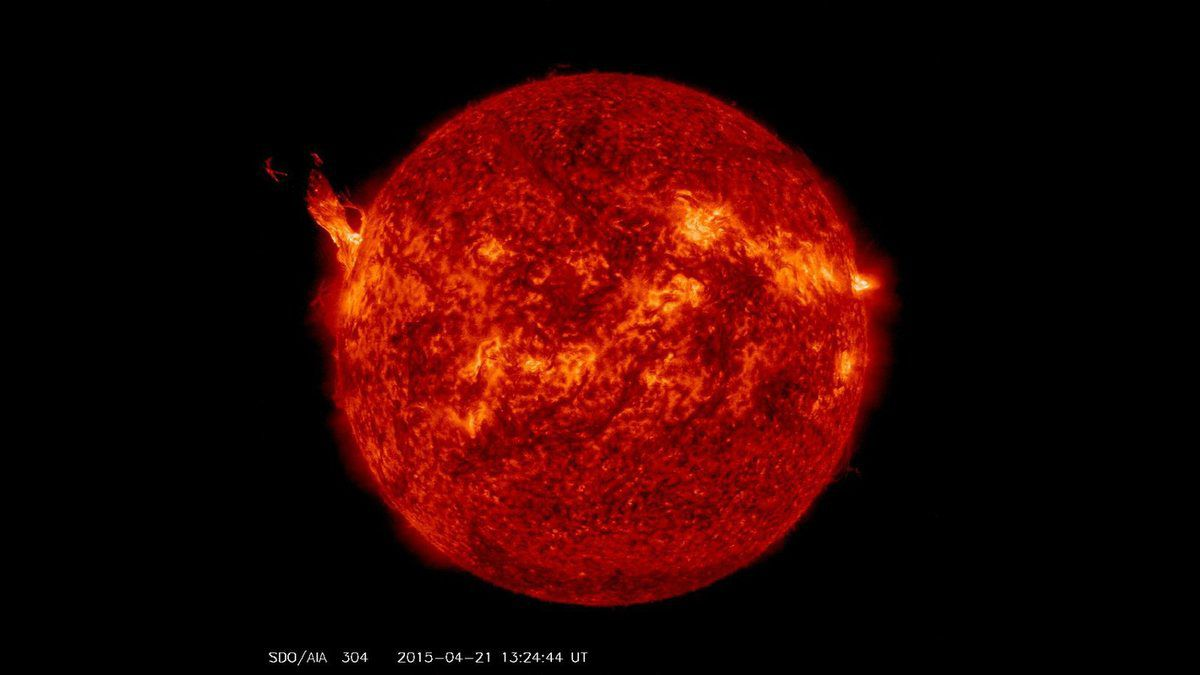 Eruption solaire le 21 Avril 2015