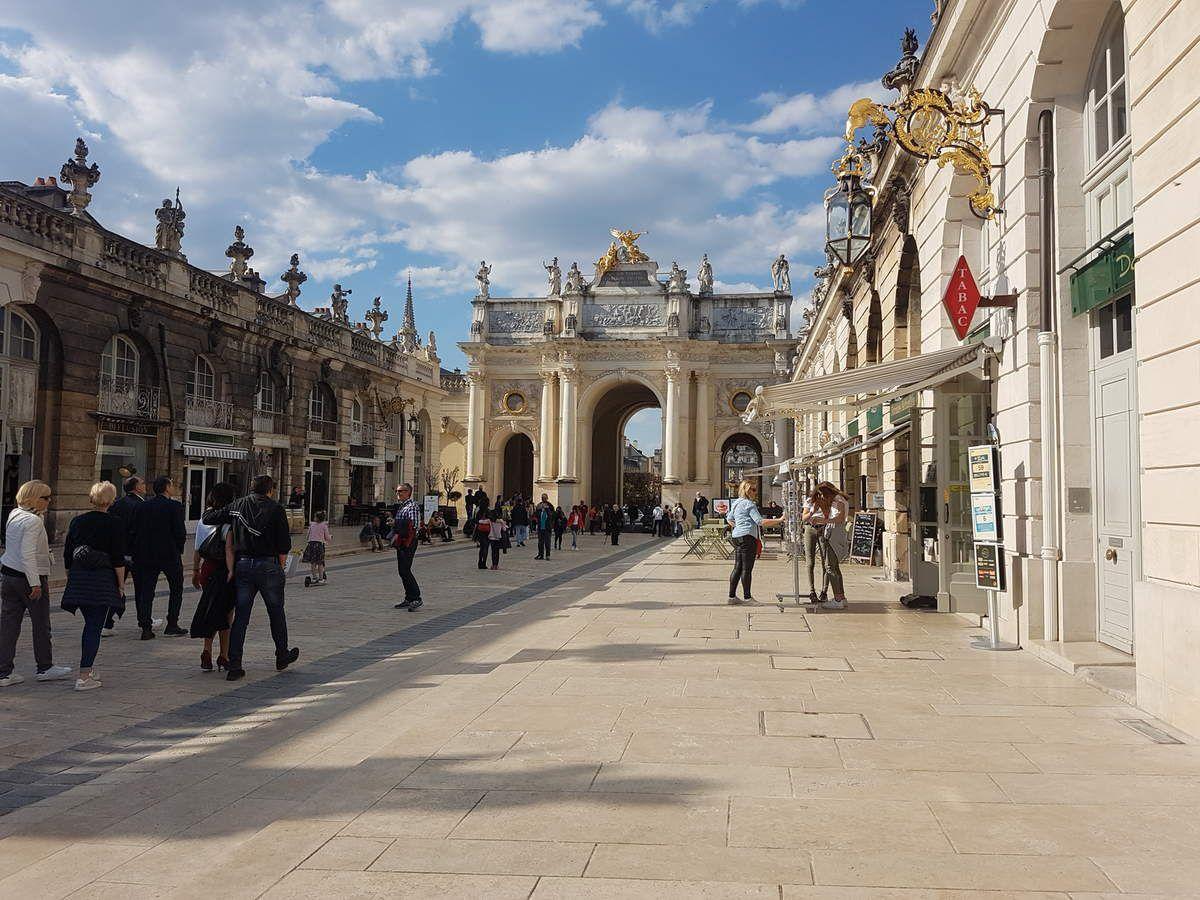 Arc et Porte Héré