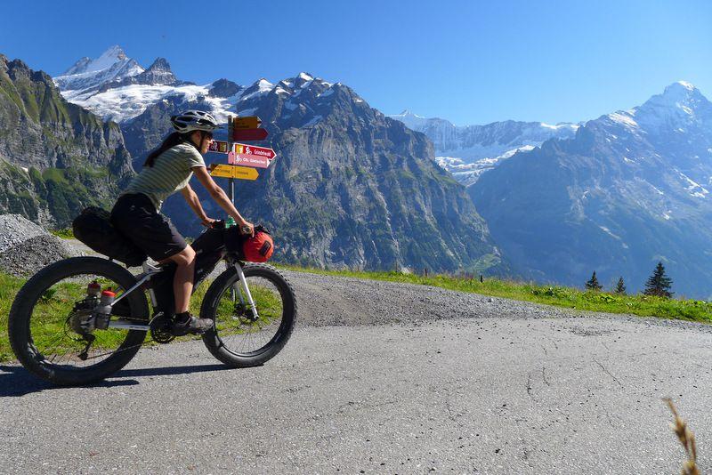Les Alpes en fatbike sur le tracé de l'Alpine Bike