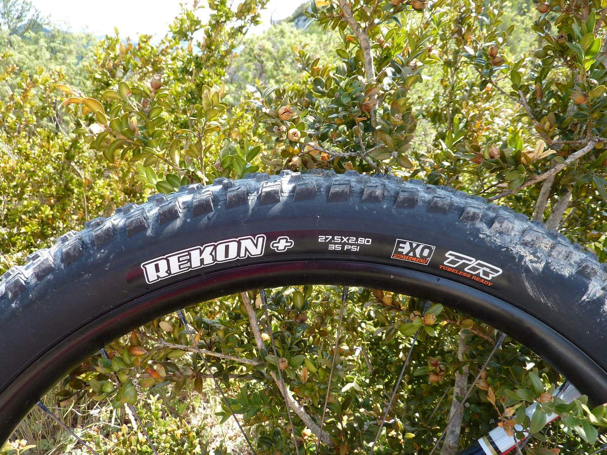 Test /essai -Pneu Maxxis Rekon+ EXO Protection - Dual 62a/60a - Tubeless Ready VS Schwalbe Nobby Nic