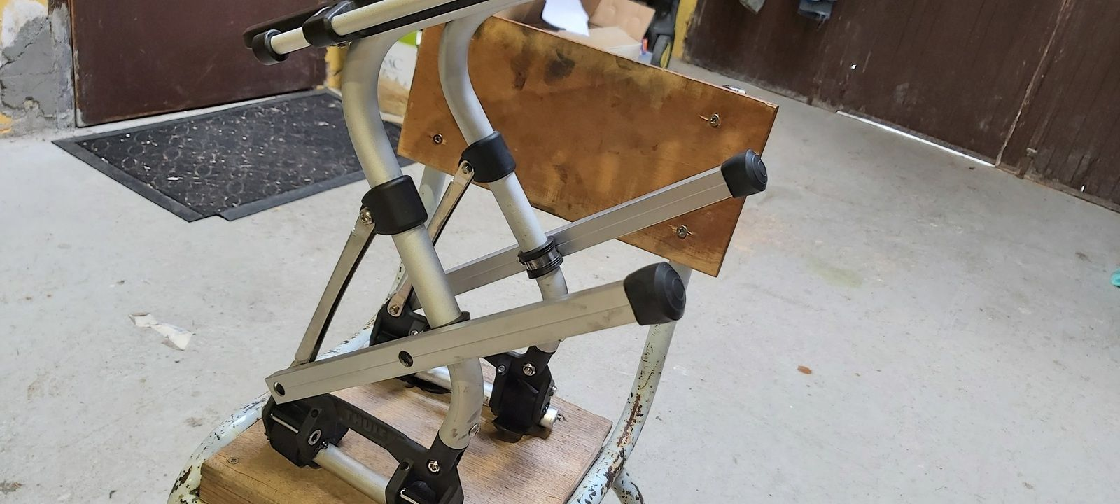 Porte bagage vélo Thule Tour Rack Pack'N Pedal