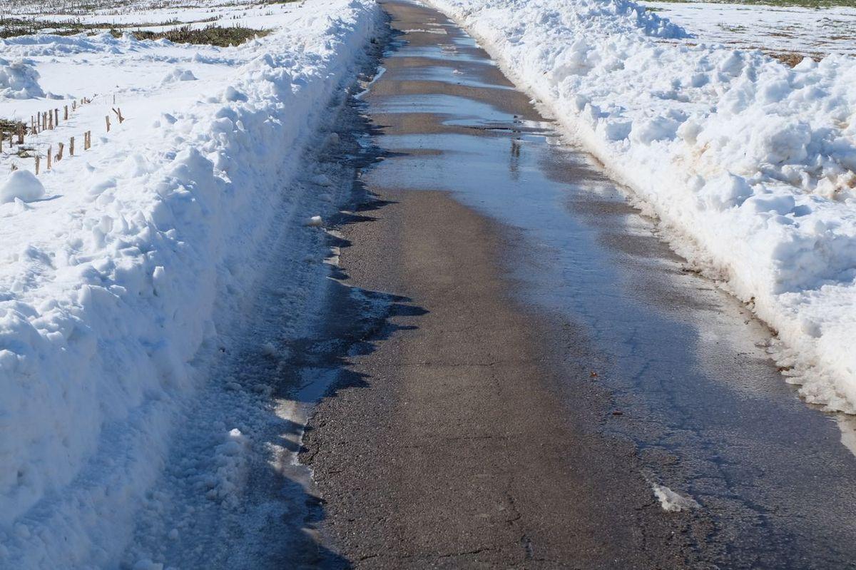Les routes sont dégagées des congères