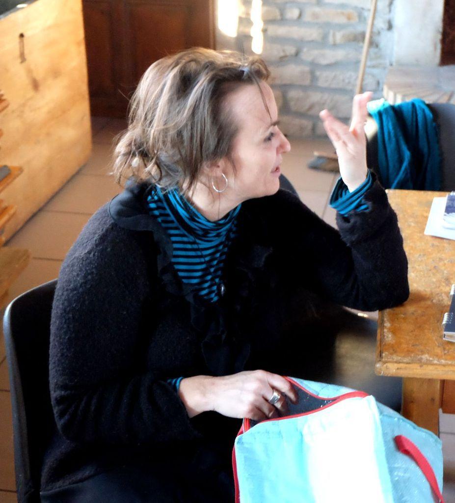 Un  atelier d'expression par le théâtre à Les Voivres