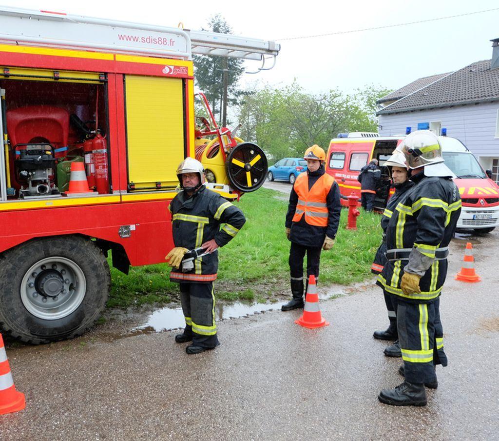 Manoeuvre des sapeurs-pompiers à Les Voivres