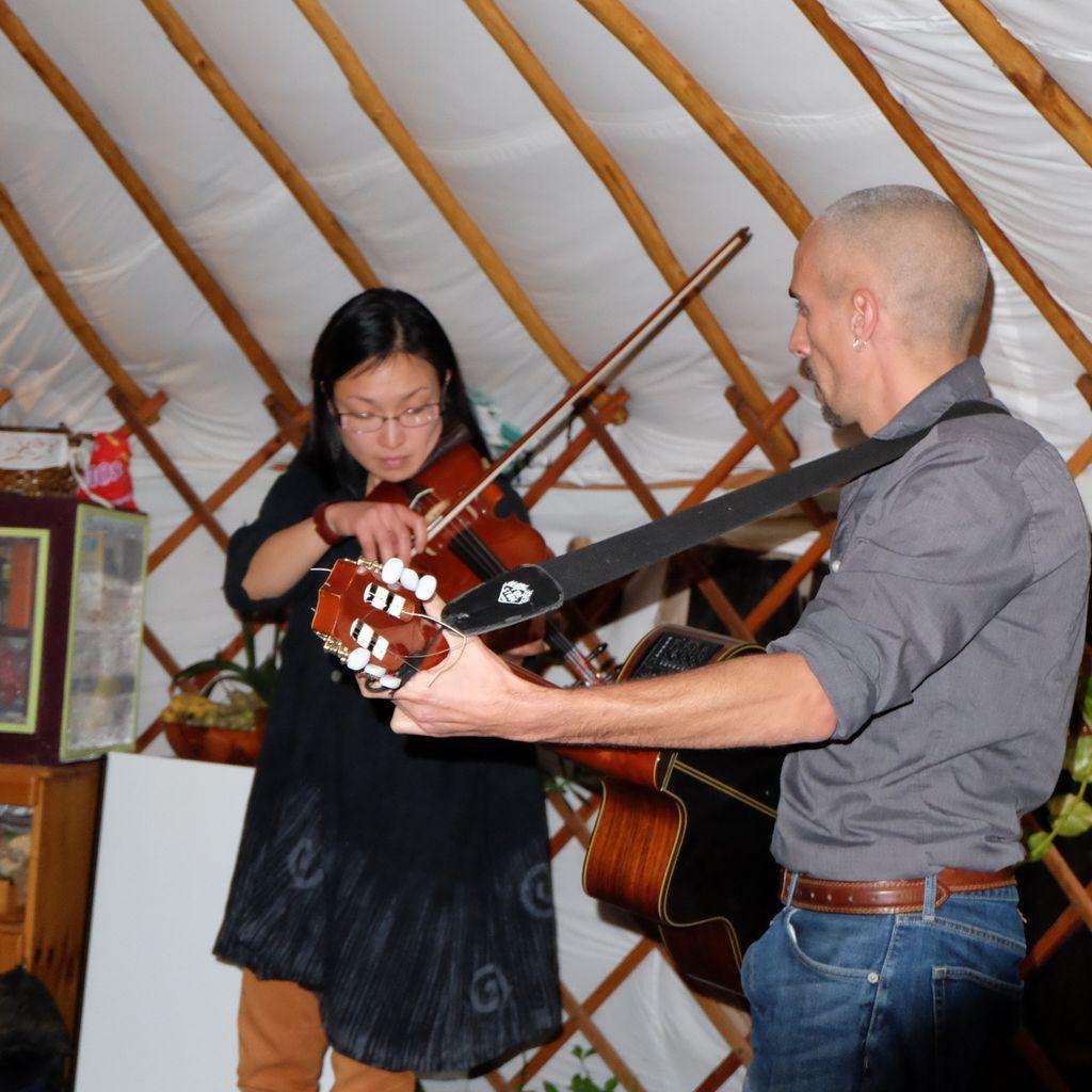 Concert sous la yourte avec Yoko et Ludovic