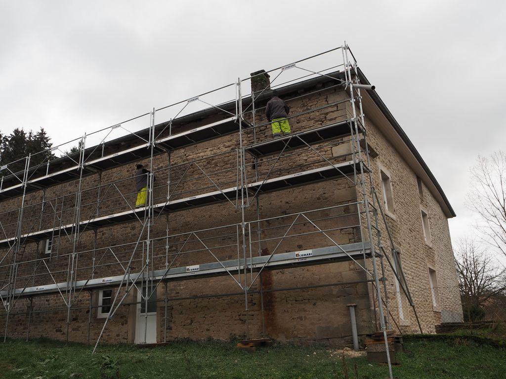 Rénovation de façade au Moulin des Voivres
