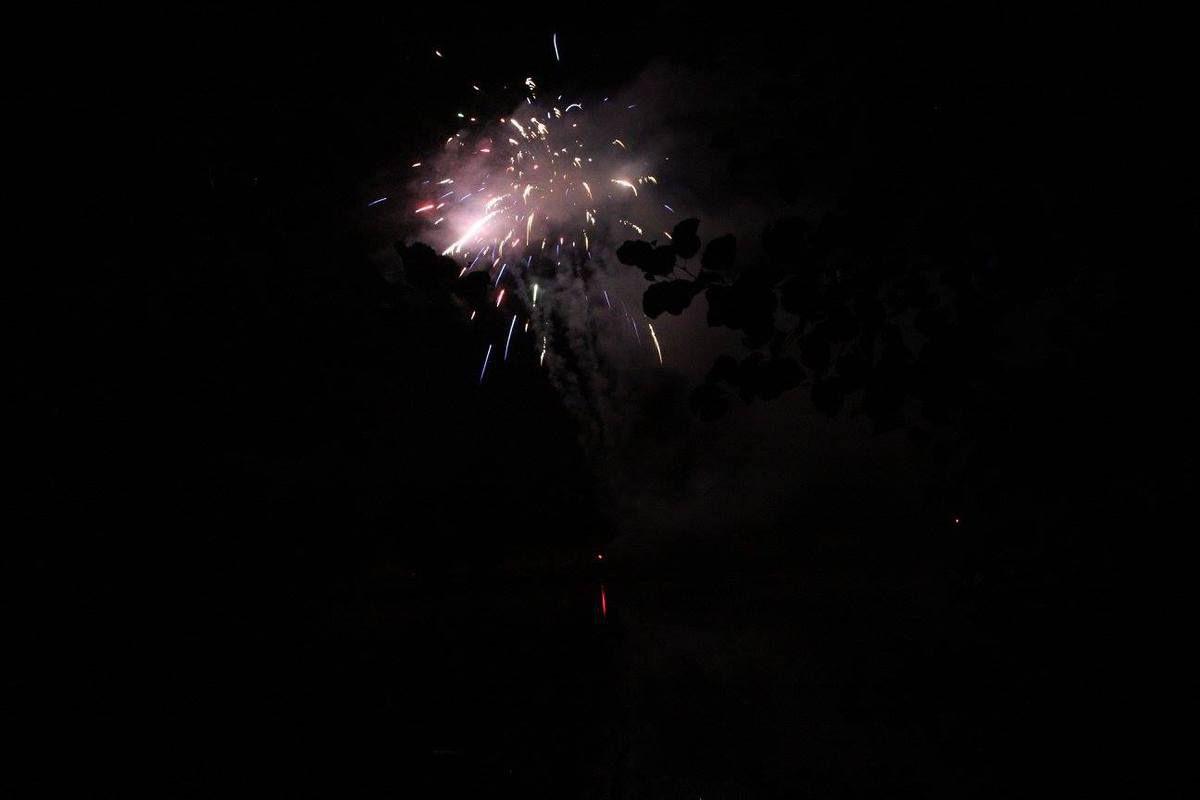 Chavande flottante et feux d'artifices sur l'Etang Lallemand