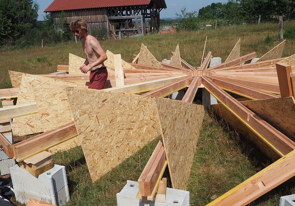 Une finition soignée dans les moindes détails faite par un spécialiste du travail du bois.
