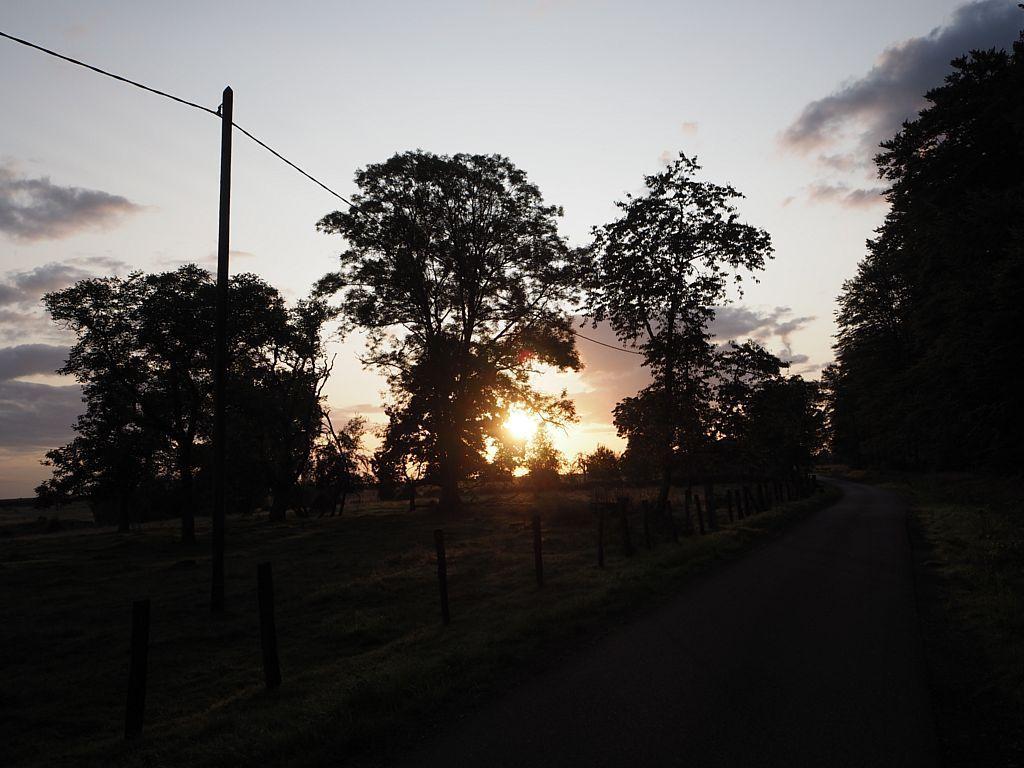 En suivant le soleil
