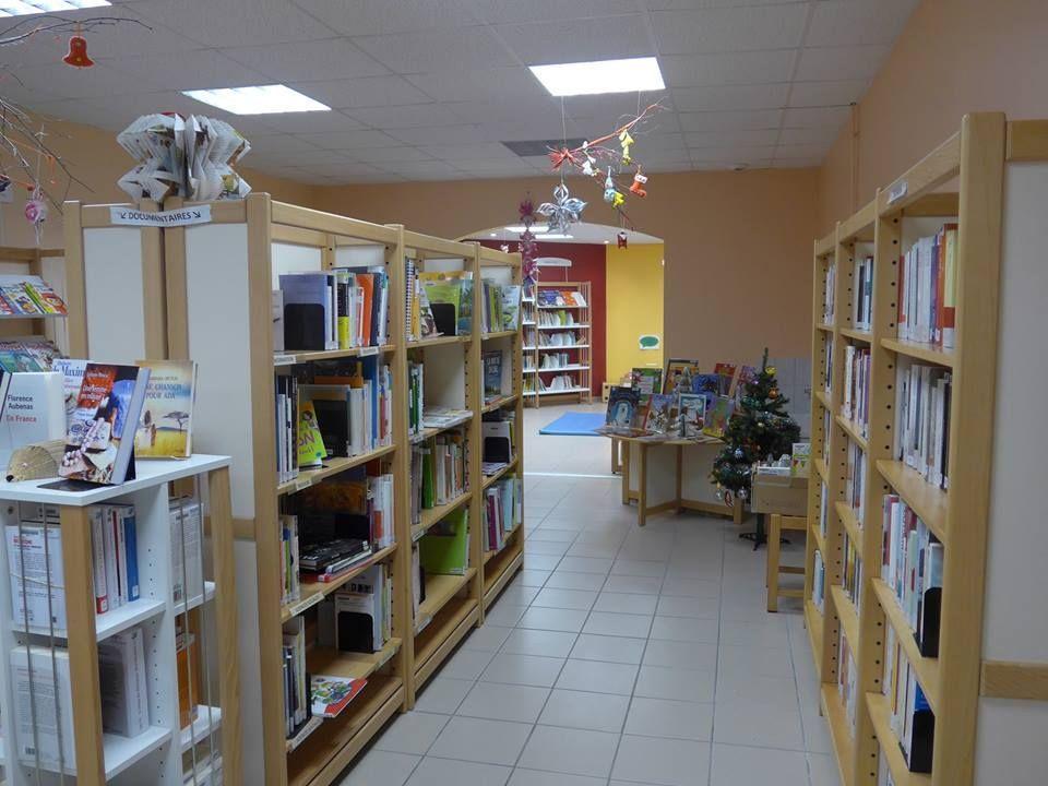 Bibliothéque la chapelle aux boisAtelier tricot