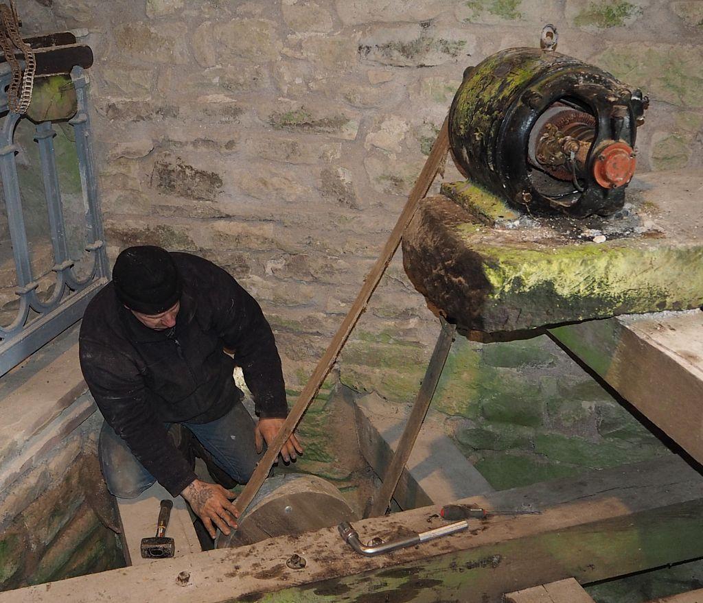 Remise en état de la génératrice de l'ancienne ferme Ory