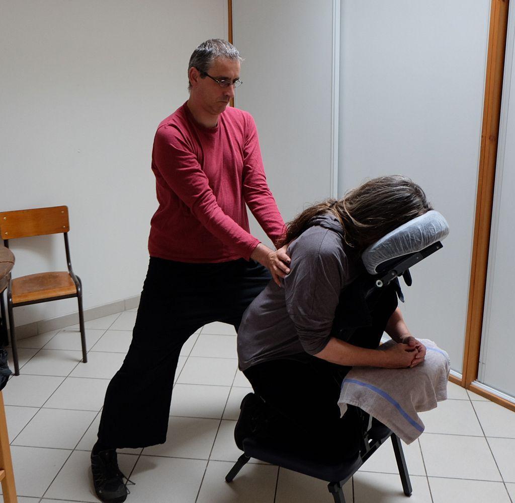Moment de bien-être avec Jérôme Manel, massages amma.