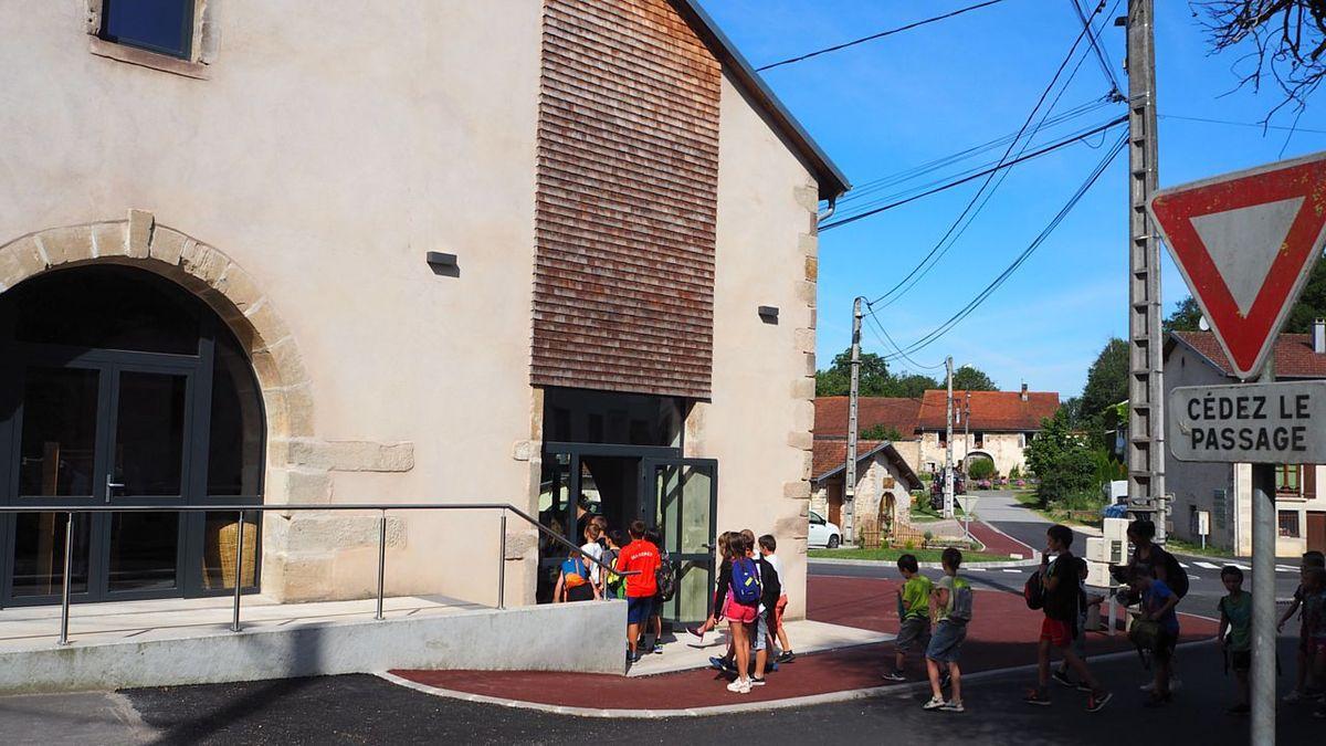 Le RPI La Chapelle aux Bois/Les Voivres en visite à La Voûte
