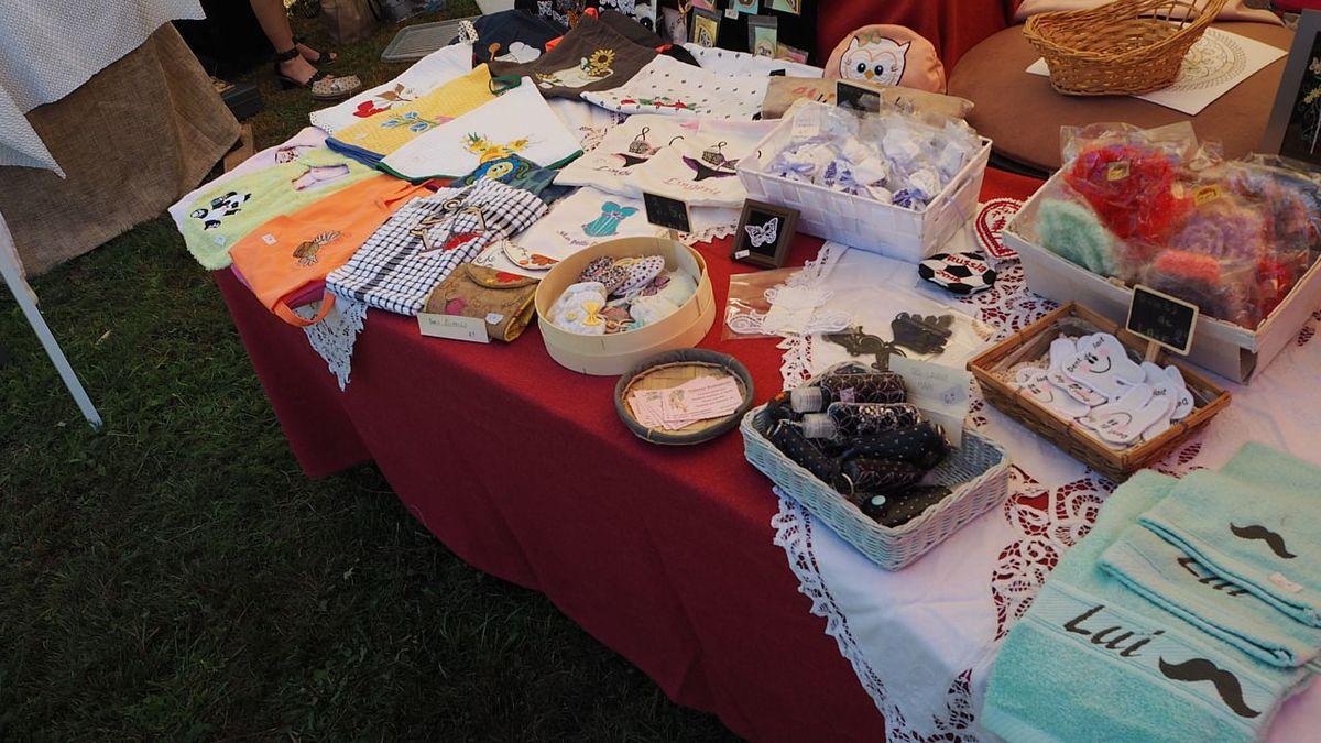Le marché artisanal au Moulin Gentrey cultive la tradition de l'amour du beau travail