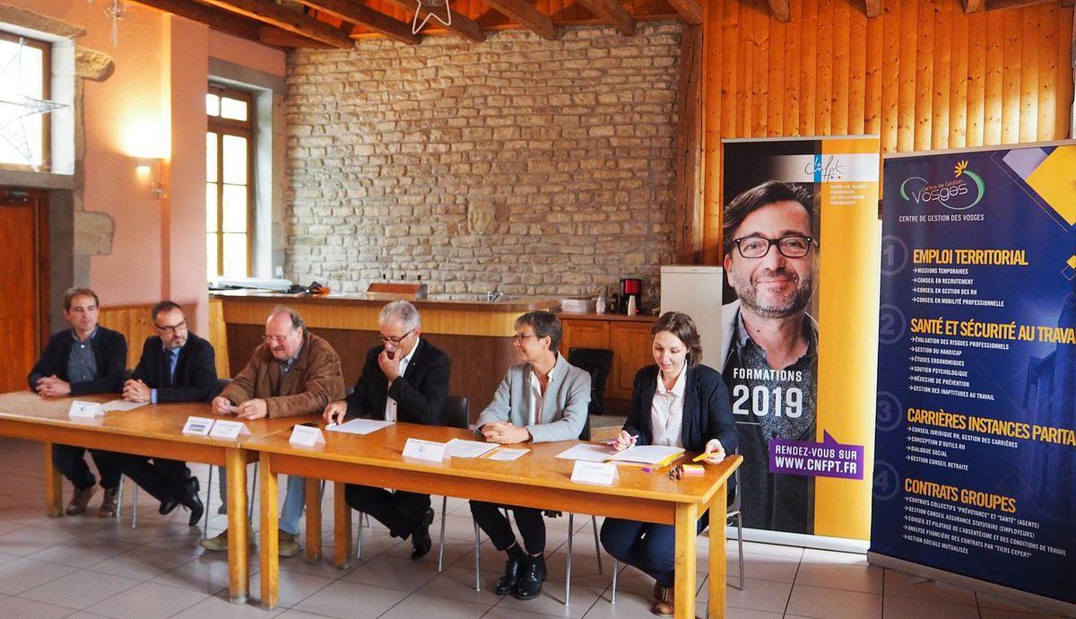 Selon Michel Fournier, 3ème à partir de la gauche, le poste exige d'avoir des compétences multiples
