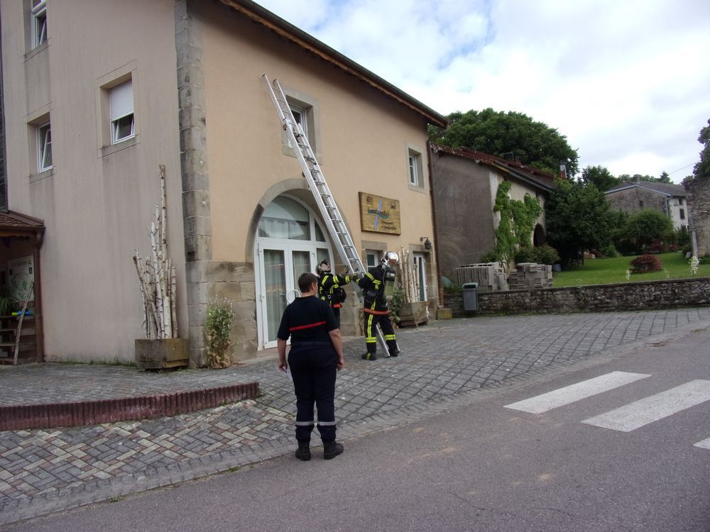 Les sapeurs pompiers en manoeuvre