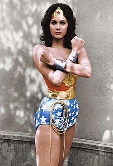 Plaid Chouette brodée 163 :  Chouette Wonder Woman