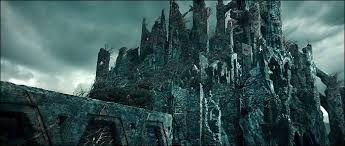Dol Guldur, daprès http://media-cache-ak0.pinimg.com/736x/bd/c8/66/bdc866ad80b97b76ff659e2474177f34.jpg