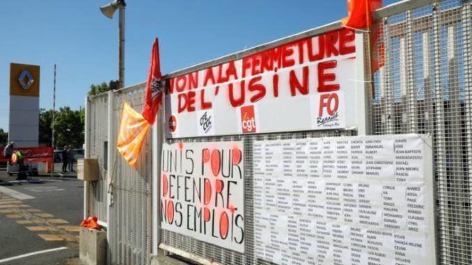 A l'entrée du site Renault de Choisy-le-Roi, dans le Val-de-Marne, le 29 mai 2020 Photo GEOFFROY VAN DER HASSELT. AFP