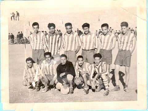 On reconnait dans cette équipe Si Med Bouguerra R.Y, Hadef Bachir,Boucherie AEK R.Y,Zaabta Tayeb R.Y.,Zegnini Mabrouk R.Y,Benmoulay Med,Bensalem Mokadem,Bey,Rayane.Benamar Chicha RY..  [Haut]