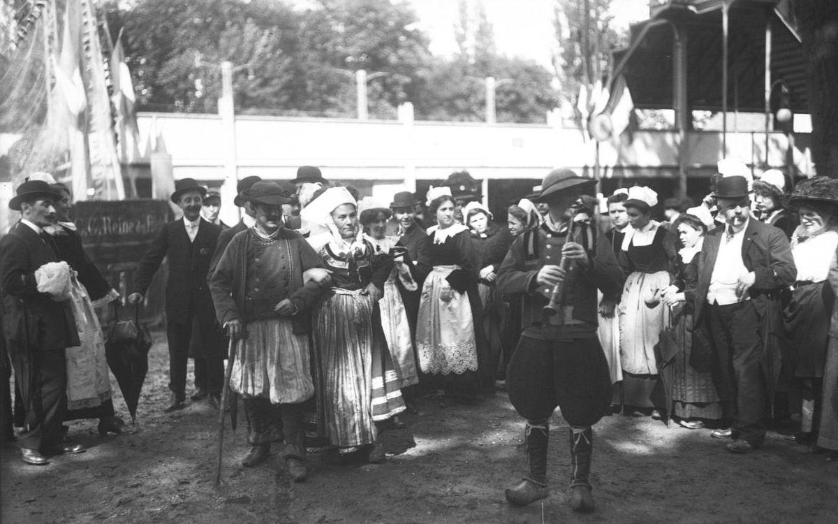 1905. Les premières fêtes folkloriques en Bretagne