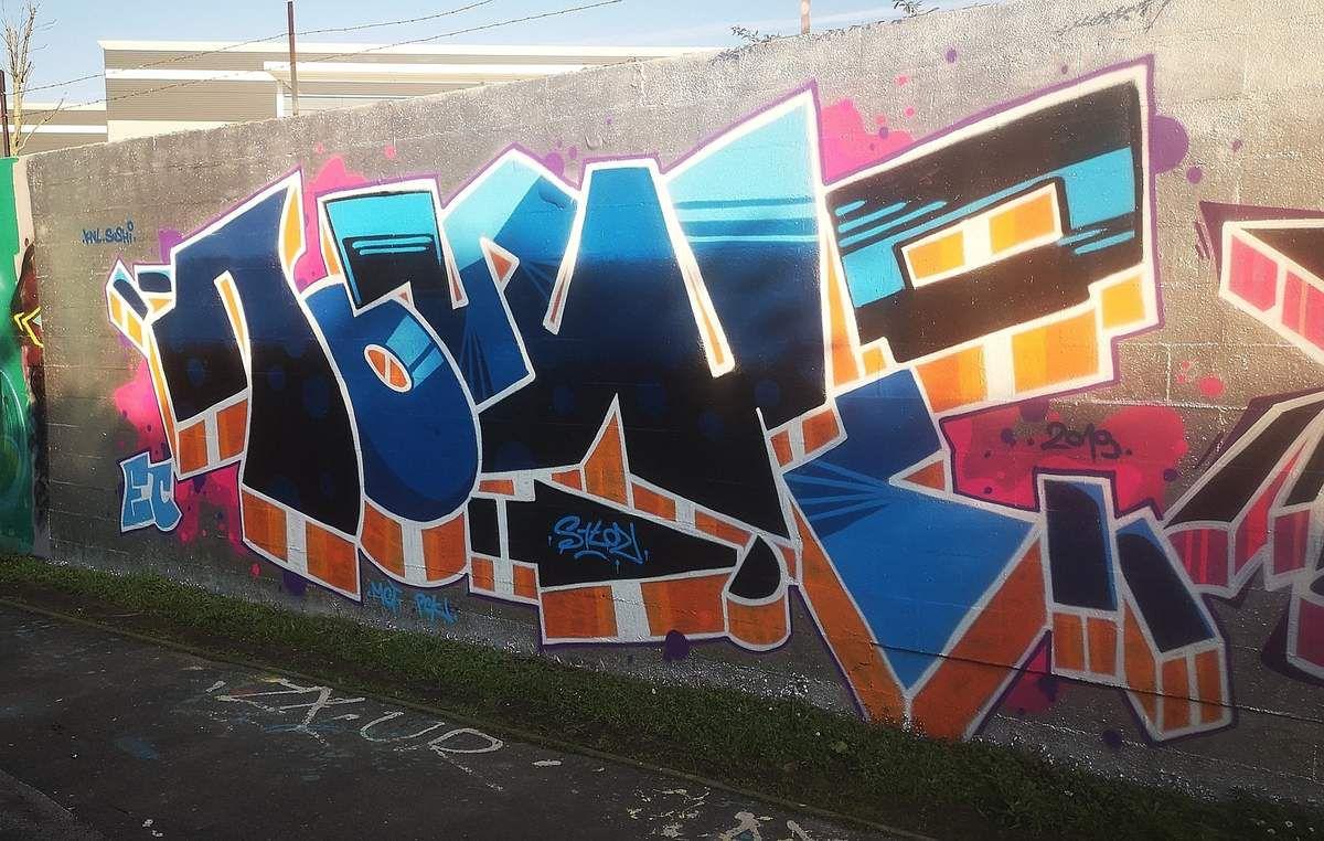 Street art à la gare de Grésillons à Gennevilliers